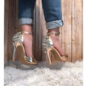 Shoes - 🆕️Rose Gold Detailed Faux Leather Peep Toe Heels